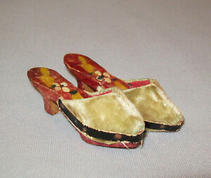 Old-Antique-Vtg-Ca-1870s-Doll-Shoes-App-3-034-Long-Painted-Wood-and-Velvet-Nice