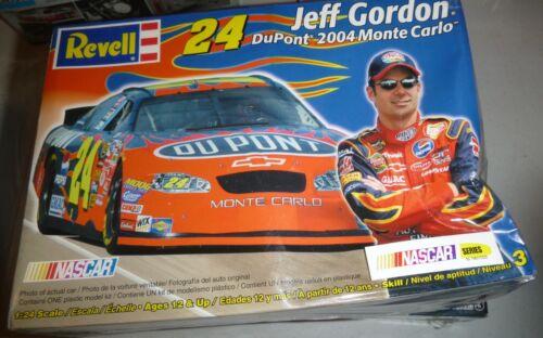 Revell 85-2853 Jeff Gordon 2004 Monte Carlo #24 1//24 Model Car Mountain FS