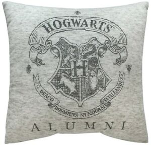Harry-Potter-Hogwarts-Crest-Alumni-Square-Shaped-Filled-Printed-Cushion-New-Gift
