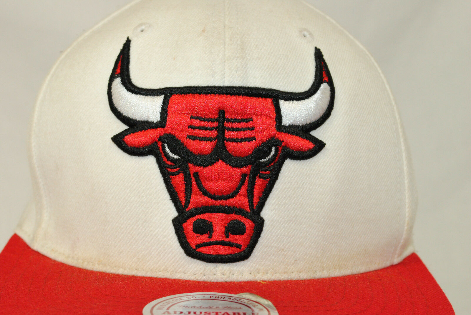 the best attitude 5e912 19e8d Mitchell   Ness Chicago Bulls Snapback Baseball Cap Hat Stained Well Worn  NBA for sale online   eBay