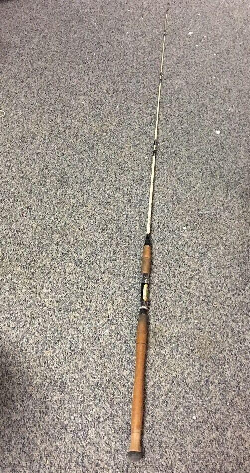 Vtg St. Croix Fishing Rod Corsair 6601-MH 6'9  Spinning Salt  Fresh Glass 1 Pc
