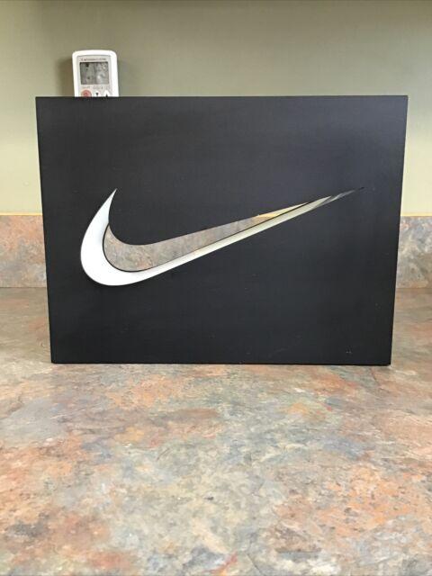Nike Display Swoosh