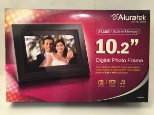 41ba39d6a417 Aluratek 10.2 inch Digital Photo Frame w  512MB Built-in Memory ...
