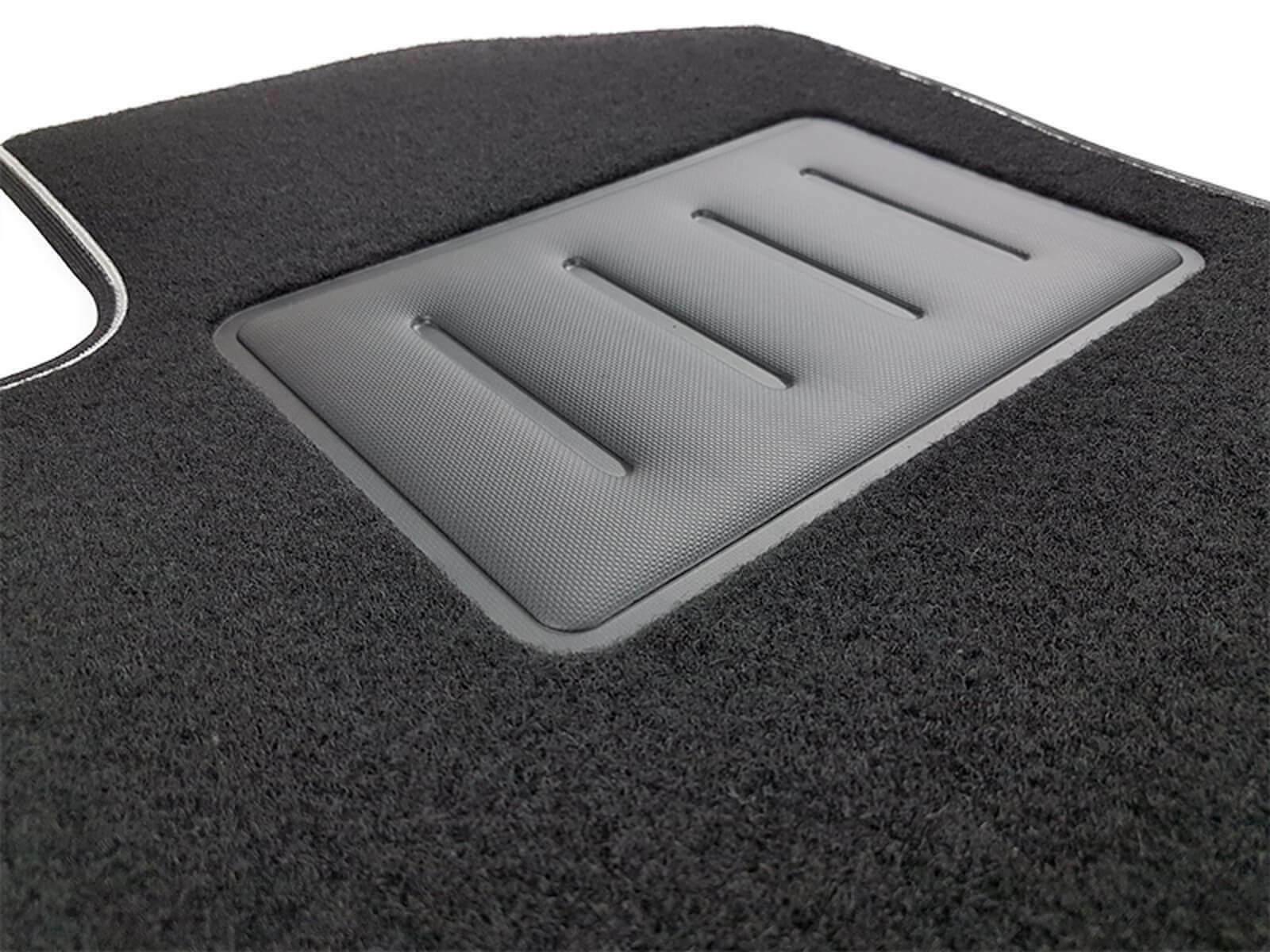 Subaru Forester III SH dal 2008-2013 tappetini moquette antiscivolo