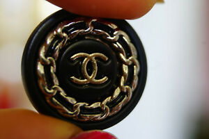 1-One-Stamped-Authentic-Chanel-Button-1-pieces-black-amp-silver-logo-cc