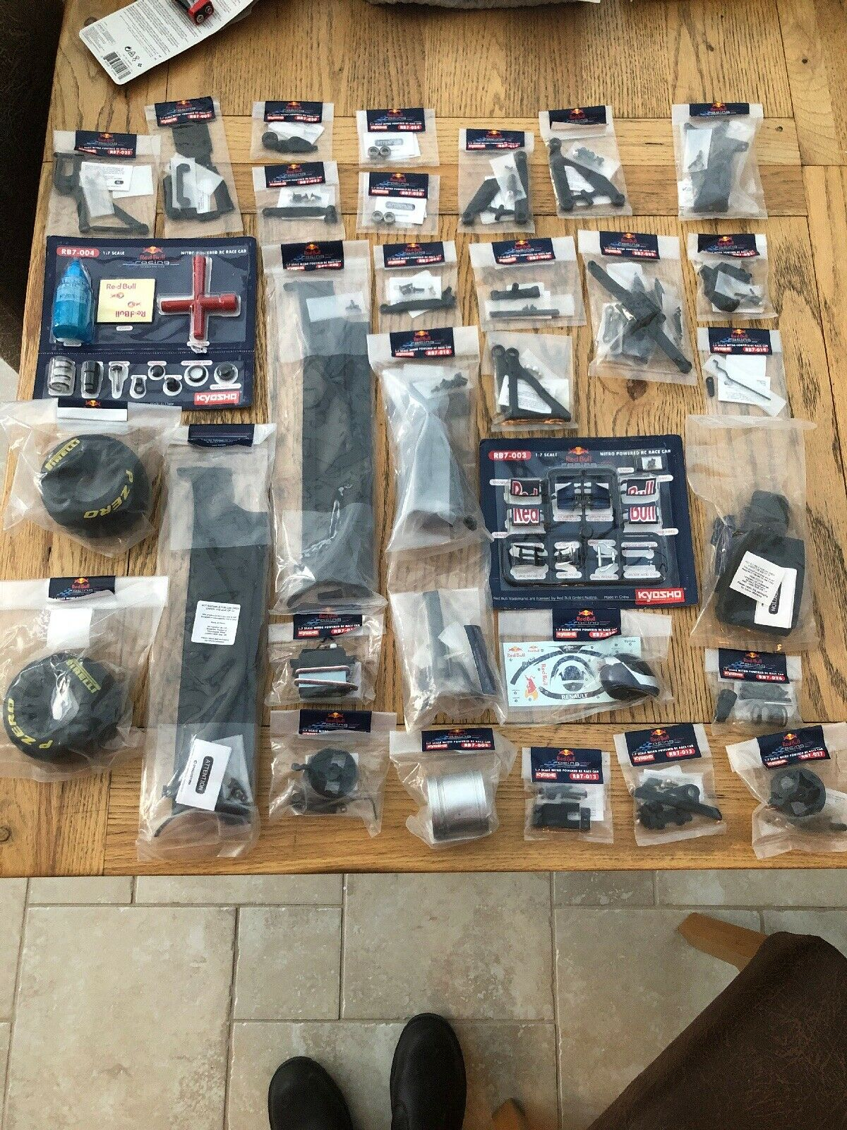 BRAND NEW PARTS RED BULL RACING 1 7 RB7 KYOSHO De Agostini NITRO RC RACE CAR