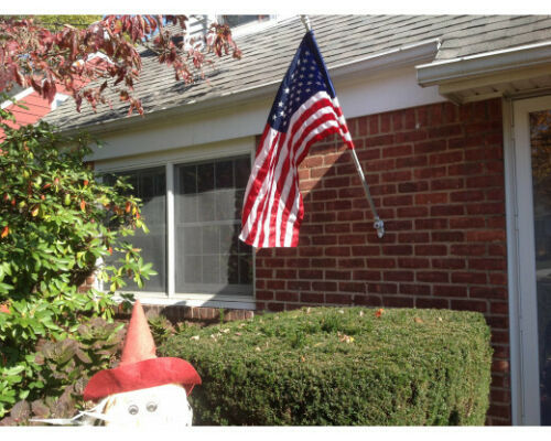 /& Bracket All in One! Pole Flag WORRY FREE® Residential Super Flag Set