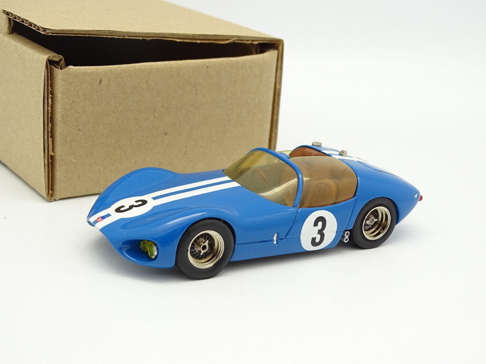 AMR Set aufgebaut 1 43 - Valiant le mans 1961
