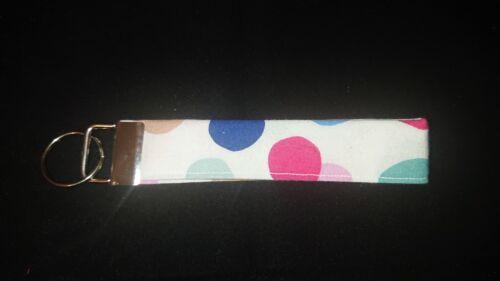 Handmade Fabric Wristlet Keychain//keyfob//keyrings