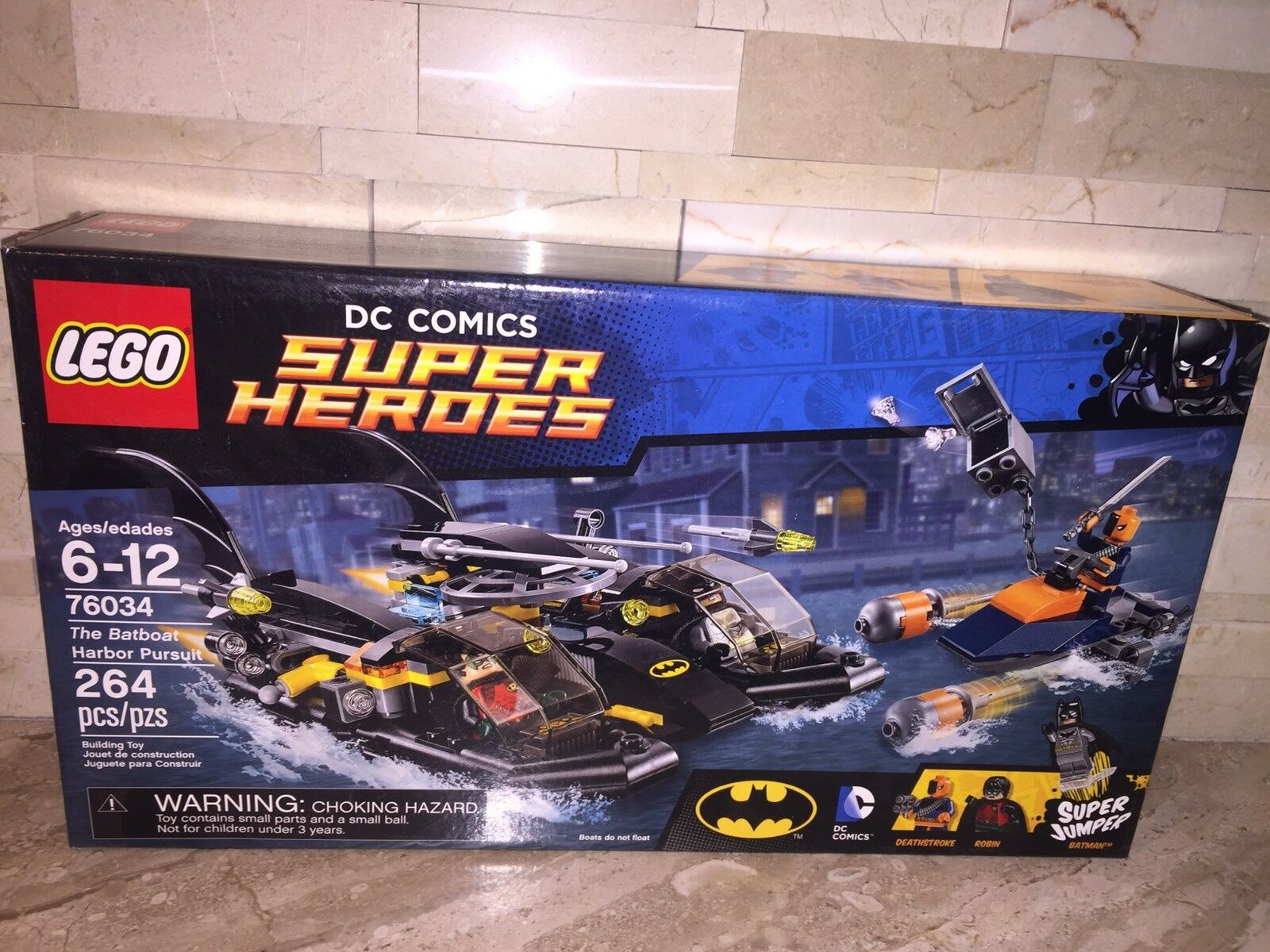 LEGO DC COMICS SUPER HEROES SET 76034 THE BATBOAT HARBOR PURSUIT