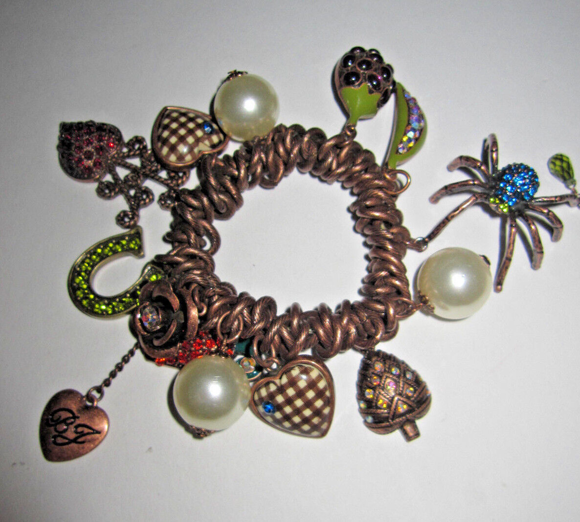 BETSEY JOHNSON  RARE CARred AND PEA BEET SPIDER STRETCH BRACELET