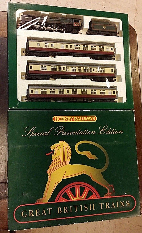 HORNBY R2031 BRISTOLIAN TRAIN PACK   31/5/16