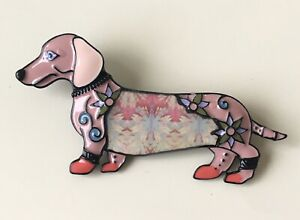 Adorable-vintage-style-Dachshund-dog-brooch-in-enamel-on-metal