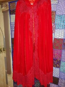 Red-velvet-Victorian-cape-with-hood