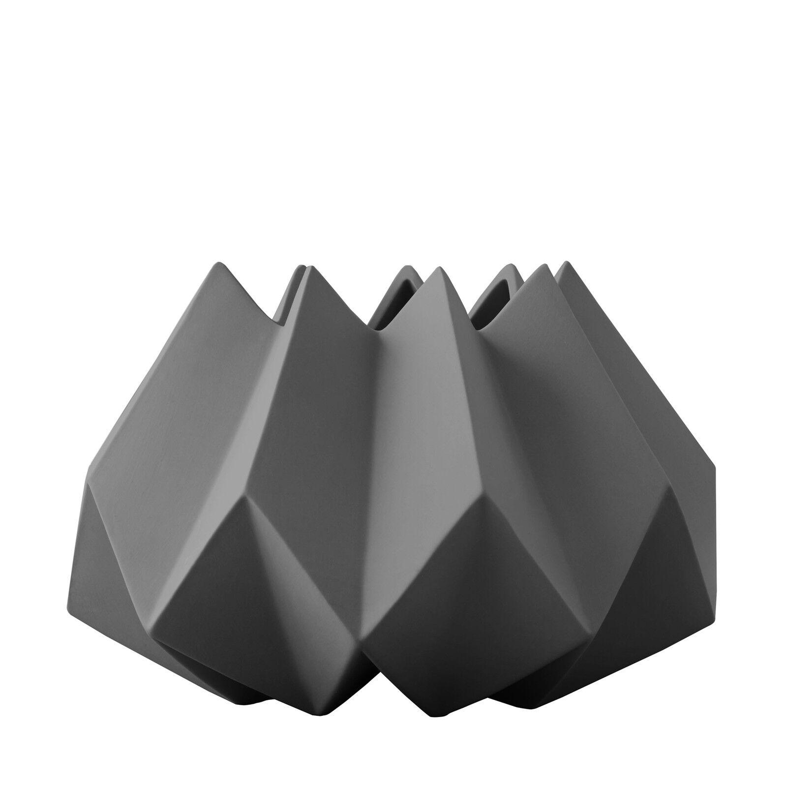Menu Folded Vase M karbon karbon ø 22 cm, h 15 cm