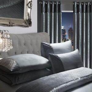 Luxury-Sparkle-Diamante-Crushed-Velvet-Duvet-Set-Eyelet-Curtains-Silver-Grey