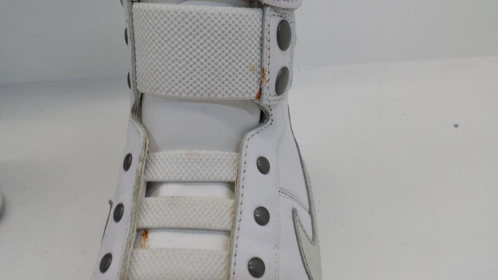 Nike WOMEN'S Gamma Mid Wht/Metallic Silver Size 101 6.5 414824 101 Size (DISCOLORED) f46d8a