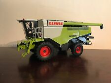 WIKING 1:32 SCALE CLAAS LEXION 760 WHEELED COMBINE **NO BOX**