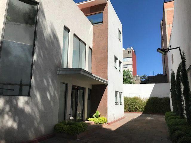 Gran Oportunidad! Edificio en Venta excelente ubicación en Insurgentes, CDMX