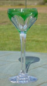 Saint-Louis-Verre-en-cristal-double-de-couleur-verte-Debut-XXe-s
