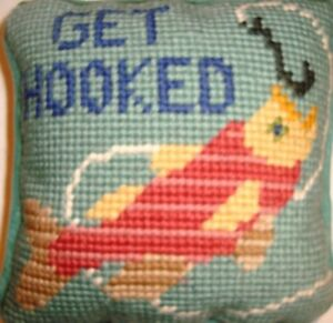 Fishing-Themed-Hanging-Door-Pillow-039-GET-HOOKED-034-Hand-Made-Cross-Stitch-NEW