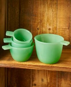 Vintage-Country-Glass-Kitchen-Accent-Set-of-4-Measuring-Cups