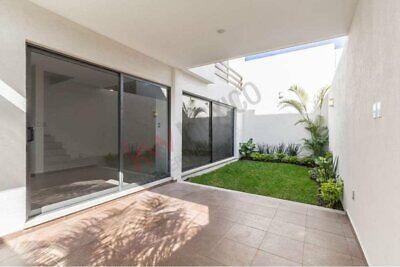 Casa en venta, en condominio, al norte de Cuernavaca Morelos.