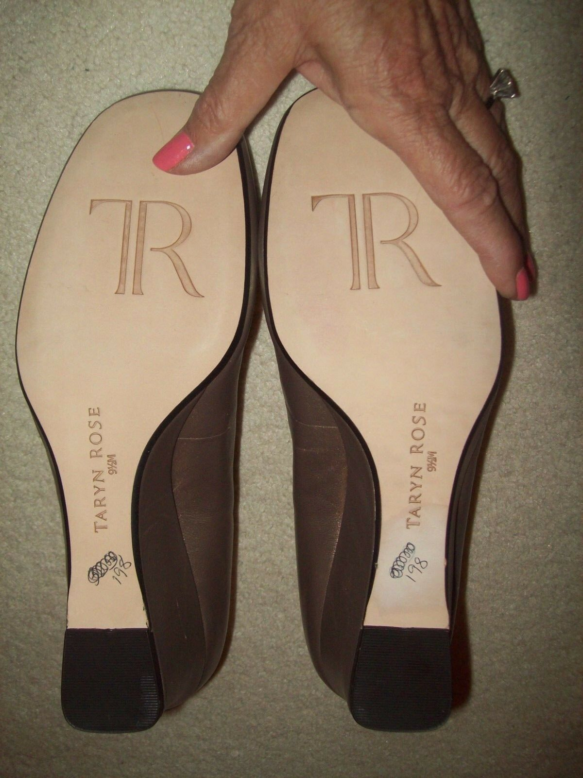 NEW TARYN ROSE 'TAIJO' ROUND ROUND ROUND TOE PEWTER METALLIC WEDGES/SZ 9.5M/NO BOX/MSRP 220 f3e204