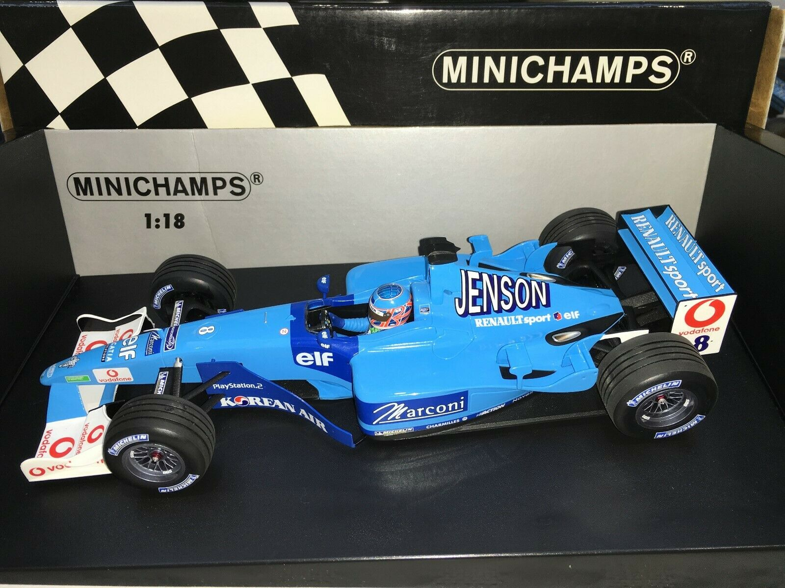 1 18 Minichamps  100 010008 Jenson Button Benetton Renault Sport  8 B201 2001
