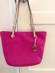 2bfc78f13e65a1 New Michael Kors Jet Set Fuschia Pink Large Leather Tote Bag | eBay