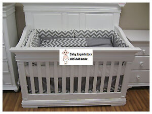 Beaumont 4 in 1 Convertible Crib-Free Shipping in the Greater Toronto Area