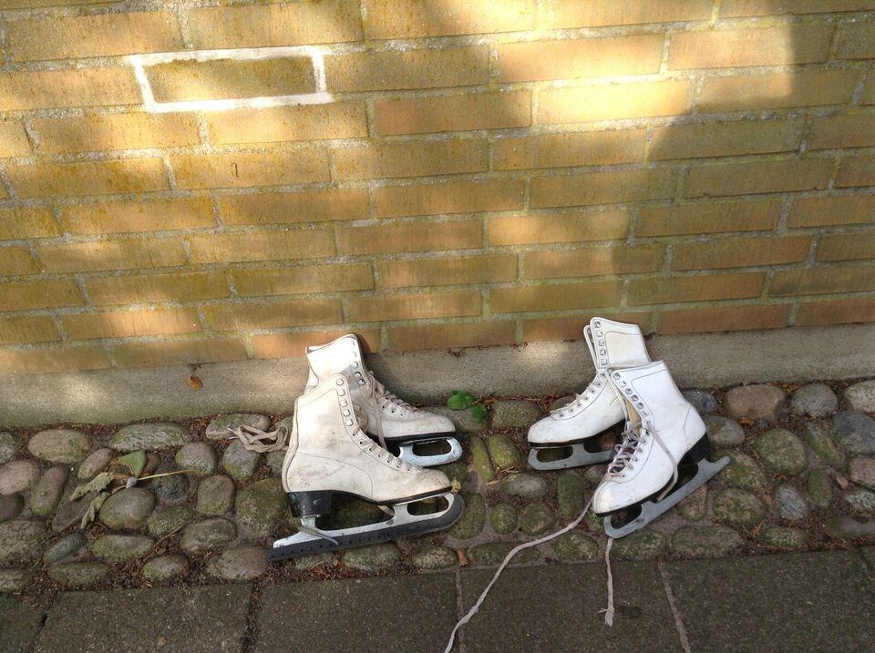 Andre samleobjekter, Antikke hvide skøjter