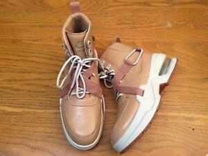 Nike Air Max Goadome Tan Womens Boots Size Size Size 8