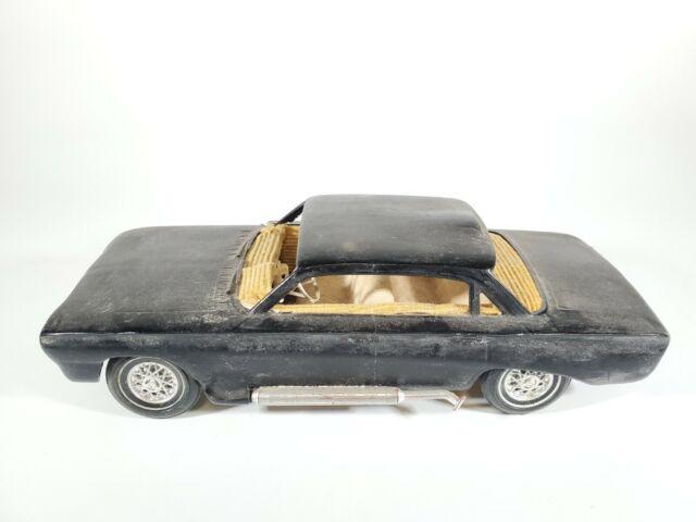 Vintage AMT 1961 Pontiac Tempest 3in1 Customizing Kit BUILT UP Model Car 1/25