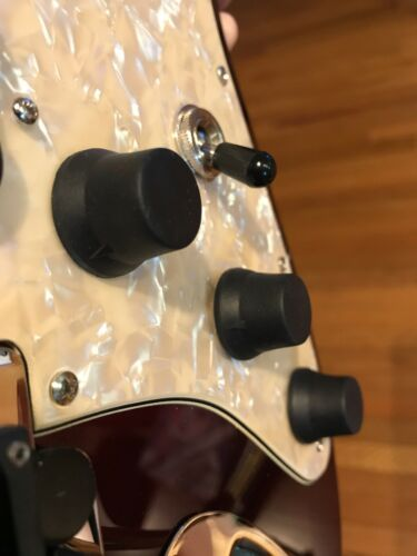 Three Standard Rubber KNOBEEZ Guitar and Bass Knobs Orange