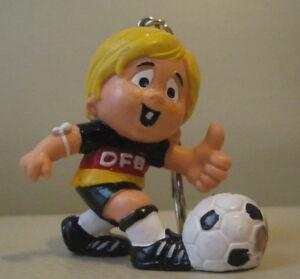 Details Zu Werbefigur Dfb Fussball Figur Schlusselanhanger Bully W Germany