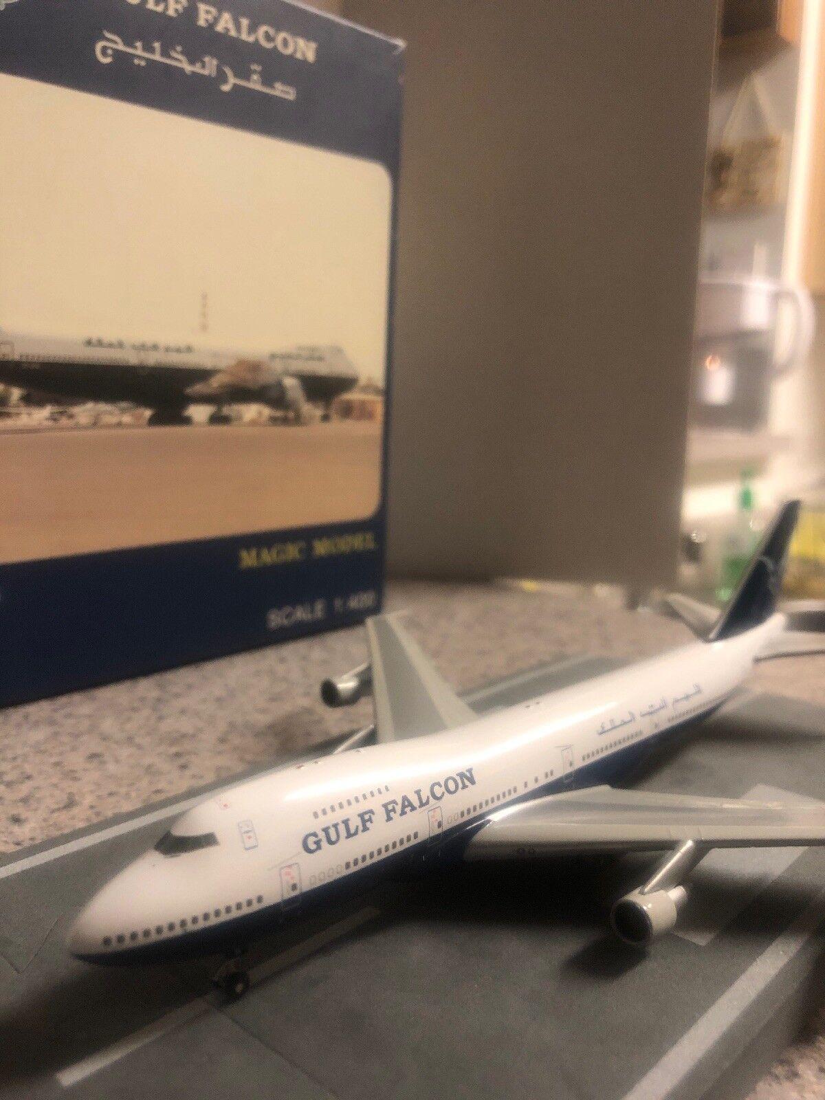 Magic MODELS échelle 400 Diecast modèle GULF FALCON B747 avion commercial 3C-GFB