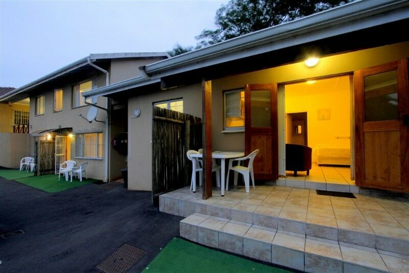 LARGE GROUPS, CONTRACTORS, HOLIDAYMAKERS - BUDGET, CLEAN SELF CATERING ACCOMMODATION IN DURBAN NORTH