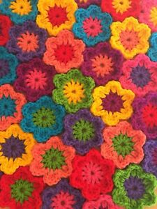 10-CROCHET-FLOWERS-2-5-HANDMADE-APPLIQUE-FOR-GRANNY-SQUARES-BLANKETS-BAGS-CRAFT