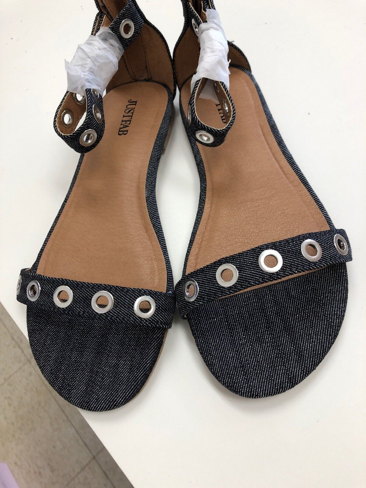 Justfab  sierra  Sandals Silver Grommets Rear zip size 7
