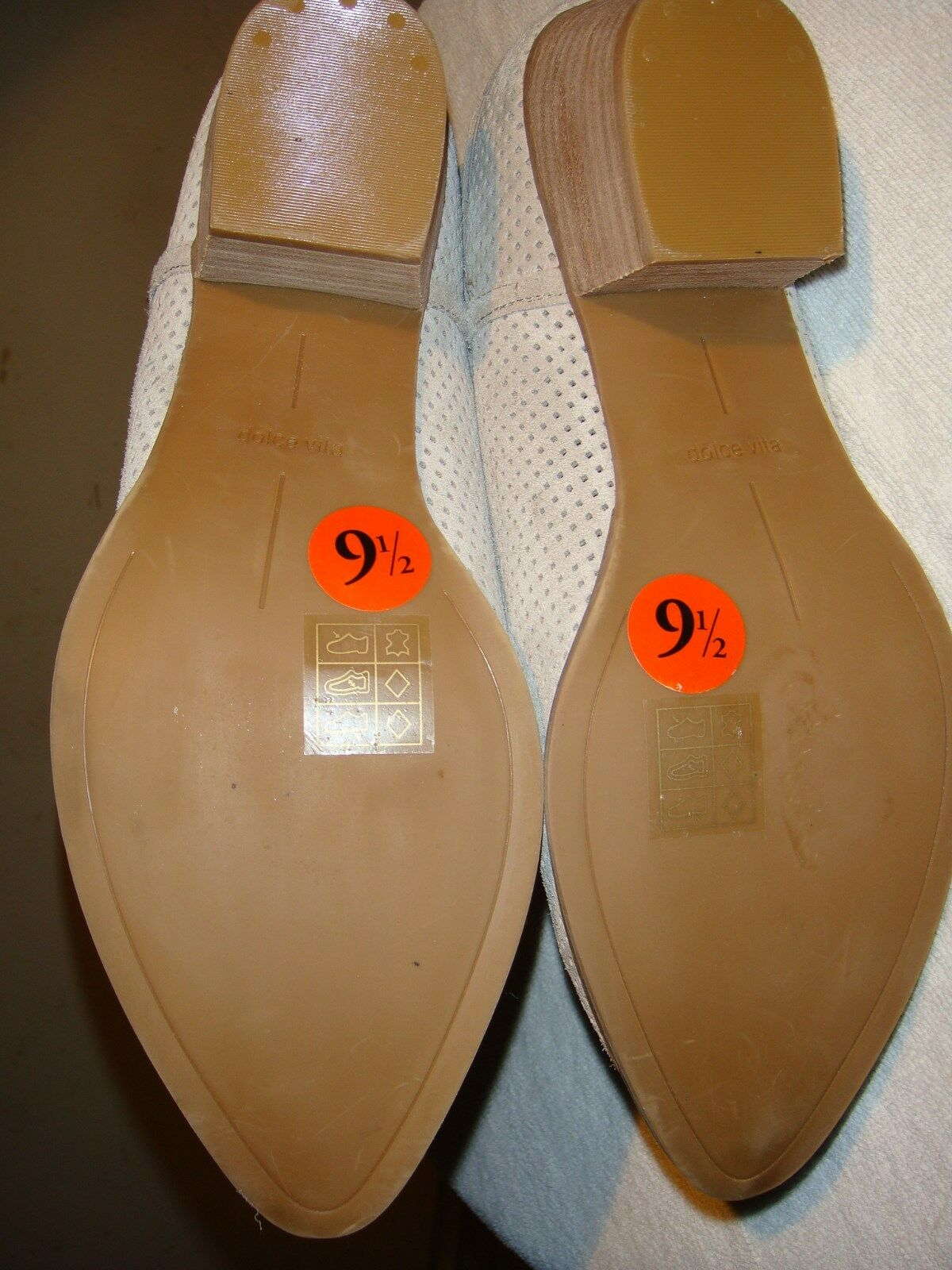 New Ladies,Dolca Vita, Tan Suede Ankle Boot, Buckle,Slipon, Buckle,Slipon, Buckle,Slipon, Size- 9 1 2M,Cute f2eda4
