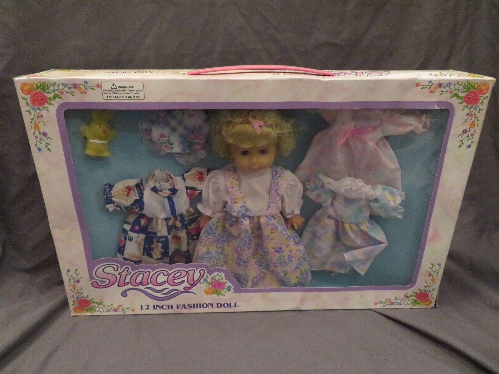 Brandneu Vintage Polyfect Toys Stacey 30.5cm Modischer Babypuppe Sleeping Eyes