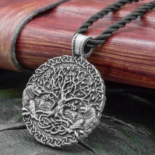 Pendant on Chord Tree of Life Wolf /& Yggdrasil