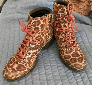 Sz 8 Boot - Faux Suede, Lace Up