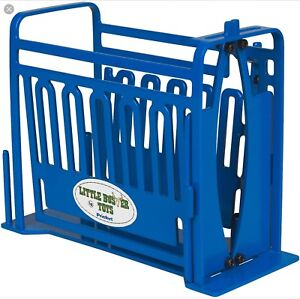 Little Buster Toys Priefert Squeeze Chute FARM TOYS