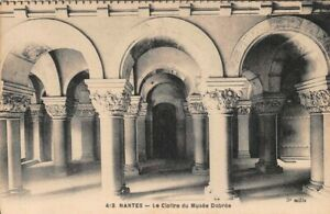 Nantes-the-Cloister-of-the-Museum-Dobree