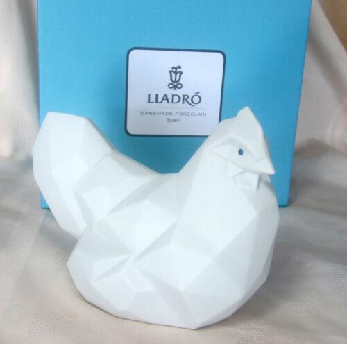 NEW LLADRO HEN MATTE WHITE BRAND NEW IN BOX #9272 WHITE CHICKEN CUTE SALE$ F//SH