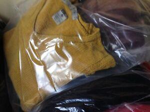 25ae104a4f5d Caricamento dell'immagine in corso Stock-Abbigliamento-Nuovo-E-Usato-Varie- Firme-Jeans-