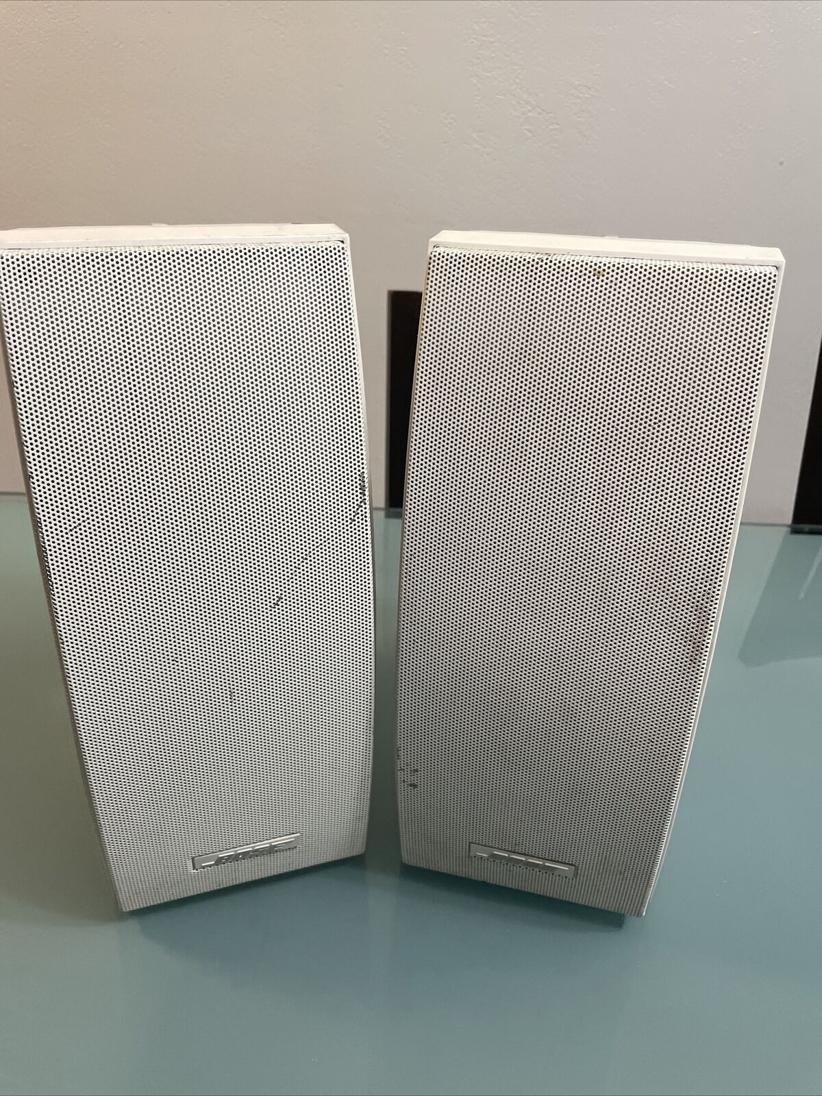 Bose 251 Outdoor Environmental Speakers - White Sound Nice, 2 Speakers, One Pair. Buy it now for 200.00