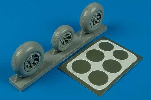 Aires 1//32 P-38 Lightning wheels /& paint masks for Trumpeter kit # 2105